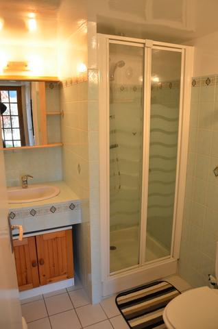Studio - salle de bain - Gîtes Bouchard