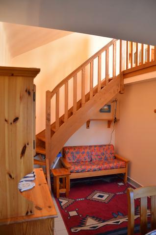 Studio - escalier - Gîtes Bouchard